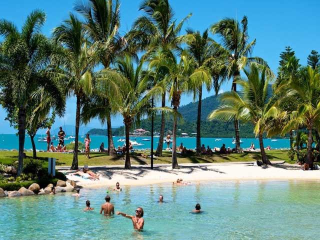 The Best Things To Do In Airlie Beach - The swimming lagoon