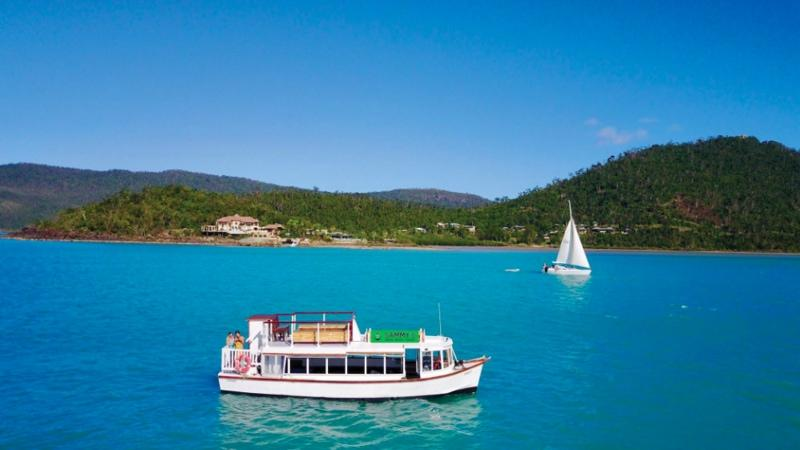 33% off kayak tours airlie beach